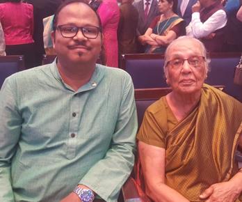 Vinod congratulated Dr. Zulekha on getting awarded Pravasi Bhartiya Samman